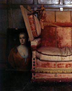 Antique Knole sofa via this ivy house Wabi Sabi, Knole Sofa, Deco Boheme, Ivy House, Thing 1, Velvet Sofa, Take A Seat, Vintage Velvet, Bohemian Decor
