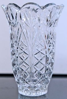 Kristaluxus Crystal Glass Vase Professional Design Art Glass Pottery & Glass