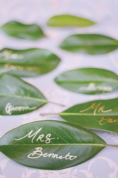 Green Wedding Colors: Gold pen + leaves = unique DIY placecards for a rustic outdoor wedding.
