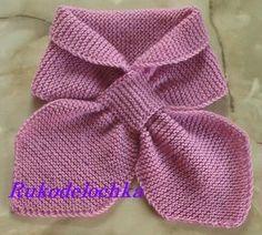 Его не надо завязывать, достаточно продеть один конец шарфа в петлю. Шарф очень интересный, подойдёт и для женщин, и для детей. Вязать его очень просто, осно...