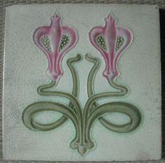 Art Nouveal Majolica Tile by Alfred Meakin 1900 Antique Tiles, Vintage Tile, Antique Art, Motifs Art Nouveau, Azulejos Art Nouveau, Art Nouveau Tiles, Art Nouveau Design, Art Tiles, Mosaic Art