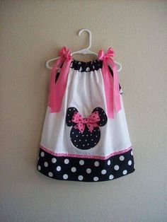 darling custom Minnie Mouse dress - so cute for a Disney trip ISABELLA Little Girl Dresses, Little Girls, Girls Dresses, Minnie Birthday, Minnie Mouse Party, Sewing For Kids, Baby Sewing, Toddler Outfits, Kids Outfits