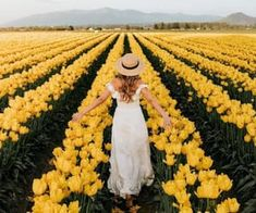 1000+ images about Beautiful flowers on We Heart It | See more about flowers, rose and pink Orland Park, Hair Mask For Growth, Hand Flowers, Order Flowers Online, Sympathy Flowers, Pinterest Hair, Belleza Natural, Flower Delivery, Hair Today