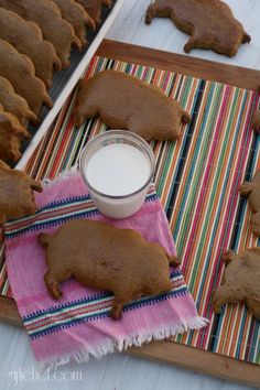 Puerquitos (Mexican Pig-Shaped Cookies) by @girlichef