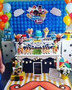 Que festa Linda do Bernardo feito pela mamãe Aline que soube utilizar bem as cores e escolheu minhas peças para enfeitar sua mesa. Ficou tão colorida e linda. Obrigado Aline. :)