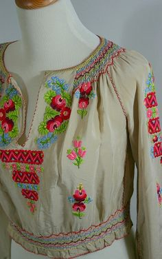 vintage peasant blouse - so perf for summer