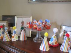 Circus theme cupcakes & party hats