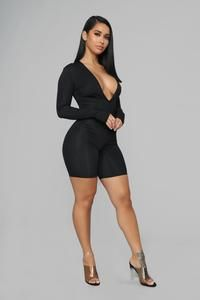 Source by ketum_ask fashion nova Sexy Outfits, Fashion Outfits, Black Romper, Fashion Nova Models, Girl Fashion, Womens Fashion, Sexy Curves, Sexy Women, Curvy Women