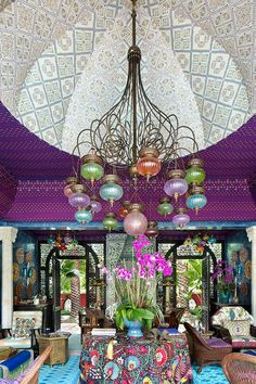 Katherine & William Raynor | Palm Beach | Peter Marino design | from PALM BEACH CHIC by Jennifer Ash Rudick Palm Beach, Persian Garden, Beach Properties, Property Design, Moroccan Design, Moroccan Style, Bohemian House, Moorish, Architectural Digest