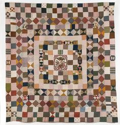 sashiko and other stitching: Repro quilts - medallion quilt centre panel Old Quilts, Antique Quilts, Vintage Textiles, Vintage Quilts, Crib Quilts, Chintz Fabric, Primitive Quilts, American Quilt, Fabric Squares