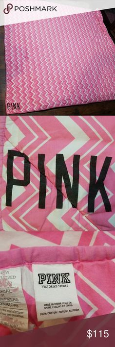 Vs Pink Comforter Vs Pink Comforter size full queen. Stain shown in 4th picture. Backside is identical. PINK Other