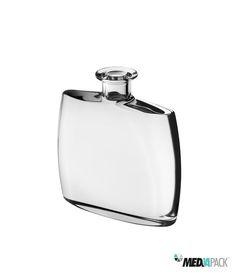 Garrafa de vidro transparente com 70cl de capacidade.