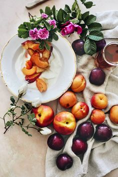 At the summer breakfast table - photo by Suvi Kesäläinen Breakfast For A Crowd, Breakfast Plate, Best Breakfast, Breakfast Club, Food Photography Styling, Food Styling, Good Food, Yummy Food, Delicious Fruit
