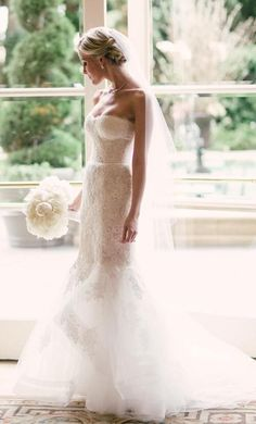 Everything about this bride is perfection | Monique Lhuiller Sonnet wedding dress size 2