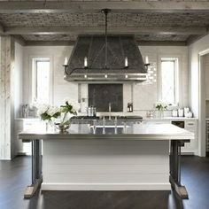 Hood and tile material Linda McDougald Design: Fantastic modern French inspired kitchen design with brick ceiling, wood beams, glossy . Old World Kitchens, Home Kitchens, Dream Kitchens, Diy Design, Design Ideas, Blog Design, Design Inspiration, Eclectic Kitchen, Parisian Kitchen