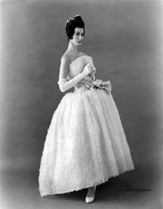 Dovima wearing gown by Werle' Originals. 1950s