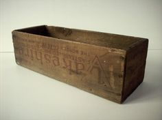 Vintage Printed Wood Cheese Box / Lakeshire / Borden by urgestudio