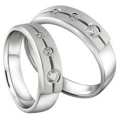 Cincin Kawin Cibelev merupakan Cincin Kawin terbuat dari perak berkualitas terbaik 925, dengan desain simple, unik nan elegan. Cincin Kawin ini memiliki 3 buah batu yang berbeda ukuran dari kecil, sedang dan besar http://dodolperak.com/?p=279