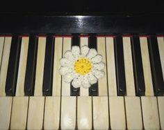 Daisy flower handmade #1 | TEEA Spacegirl