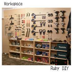 DIYFACTORYFUTAKOさんの、電動工具,壁面収納,壁面ディスプレイ,リンゴ箱,工具,ワークスペース,作業場,ペグボード,有孔ボード,DIYFACTORY,ディアウォール,2×4材,ルビーDIY,DIY,部屋全体,のお部屋写真 もっと見る