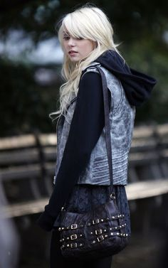 Jenny Humphrey/Taylor Momsen in my favourite phase of hers :)
