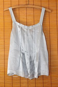 NWOT J.Crew Women's 100% Sz 2 Silk Gray Pleated Sheer Sleeveless Top Blouse $12.50 #NWOT #JCrew #Blouse #Gray #Pleated #Sheer #Silk #Blouse #RVATreasures #Women #ladies #Spring #Summer #Fashion #Affordable #Work #Weartowork #casual #office #Church #Party #Nightout #Pleated #Beautiful #Fashion #urban #Chic #boho #Hippie #Pink #lightpink #Ruffles #layered #tiered #Beautiful #petite #petites