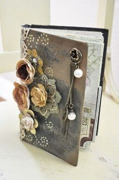 I really want ot make/buy one for my wedding guest book, or maybe do this on the outside of the scrapbook. I like online scrapbook programs. Then add embellishments. Book Crafts, Arts And Crafts, Paper Crafts, Paper Art, Altered Books, Altered Art, Journal Inspiration, Mini Albums, Do It Yourself Baby