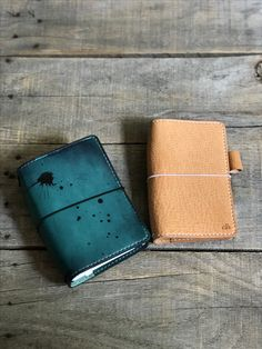 I'll be swapping between these two beauties for August! (Chic Sparrow Pocket Plus Odyssey Hera and Chic Sparrow Pocket Pemberley Angel.) Leather Travel Journal, Know What You Want, Hobonichi, Event Styling, Travelers Notebook, Planner Stickers, Planners, Zip Around Wallet, Daily Planning