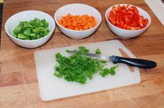 Last ned din egen regnbuehandleliste. Free Downloads, Plastic Cutting Board, Barn, Kitchen, Converted Barn, Cooking, Kitchens, Cuisine, Barns