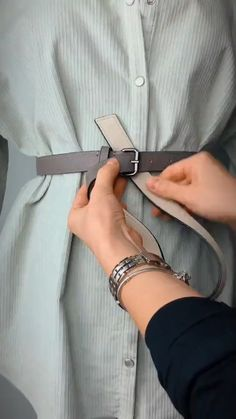 Diy Clothes Life Hacks, Diy Clothes And Shoes, Clothing Hacks, Mode Outfits, Casual Outfits, Fashion Outfits, Diy Fashion Hacks, Fashion Tips, Fashion Ideas