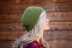 Free #crochet slouch hat pattern from Mamachee