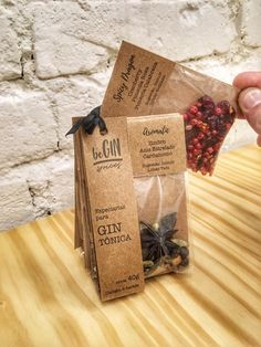 Spices Packaging, Bakery Packaging, Tea Packaging, Food Packaging Design, Fruit Leather Recipe, Gin Gifts, Gin And Tonic, Organic Recipes, Tea Gifts