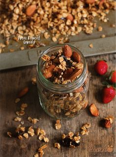 Dates and Almond Granola @FoodBlogs