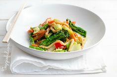 Vegan Udon Noodle and Vegetable Stir Fry Recipe