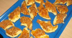 Sajtos párnácska - Sós sütik Pepperoni, Cereal, Muffin, Pizza, Cookies, Breakfast, Food, Candy, Crack Crackers