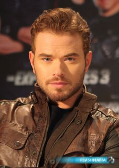 Kellan Lutz kellan-lutz-expendables-3-close-up-germany.jpg (1748×2479)