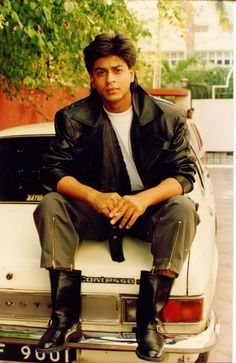 srk in boots