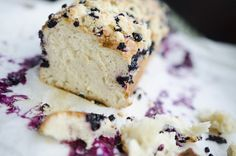 Yeast cake with blueberry and coconut milk Krispie Treats, Rice Krispies, Polish Recipes, International Recipes, Coconut Milk, Feta, Blueberry, Ale, Cheese