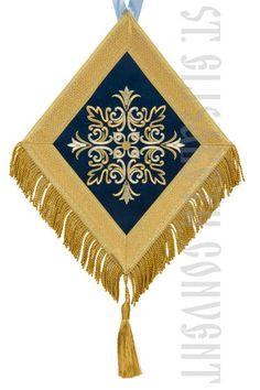 palitsa with embroidery