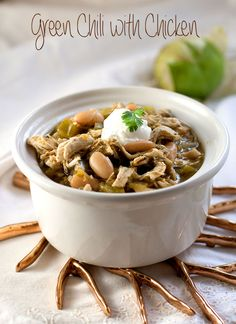 Green Chili with Chicken -- This chili recipe doesn't take long to cook, it can easily be made in one pot, and tastes absolutely delish.  Great for a quick and easy weeknight dinner!