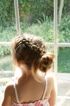 quick braided messy bun - hairstyle tutorial for girls