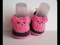 Пинетки крючком с бантиками. Мастер класс+схема. Booties crochet - YouTube Crochet Baby Socks, Crochet Shoes, Crochet Baby Booties, Crochet For Kids, Crochet Clothes, Baby Knitting, Crochet Crafts, Sewing Crafts, Baby Shoes Pattern