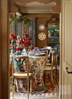 Michelle Nussbaumer's Chalet in the Swiss Alps Dec Veranda Magazine French Cottage, Cottage Style, French Country, Country Style, French Style, Comedor Office, Cosy Living, Winter Floral Arrangements, Veranda Magazine