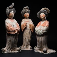 THE THREE COURT LADIES: THE GREAT CONVERSATION. - CHINA TANG DYNASTY - AD 8TH CENT, PAINTED TERRACOTTA, Height: 43 to 47 cm