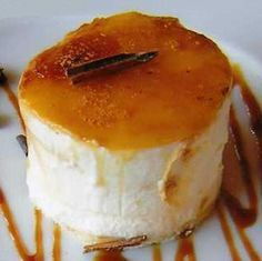 Flan de Nata y Queso - Pudding Cream and Cheese Jello Recipes, Mexican Food Recipes, Real Food Recipes, Dessert Recipes, Sweet Desserts, Sweet Recipes, Delicious Desserts, Yummy Food, Tapas