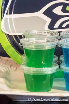 These margarita jello shots are the best! Made with tequila, they are the best lime green jello shot recipe ever. Perfect for a tropical summer party, or supporting your favorite football team (like the Seahawks). Pink Jello Shot Recipe, Orange Jello Shots, White Jello, Easy Jello Shots, Margarita Jello Shots, Green Jello, Jello Shot Recipes, Salad Recipes, Drink Recipes