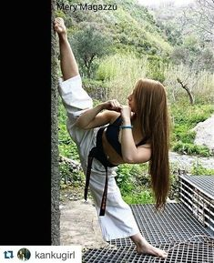 Hints to assist you to Better Your information of martial arts tips Female Martial Artists, Martial Arts Women, Mixed Martial Arts, Martial Arts Workout, Martial Arts Training, Fitness Workouts, Karate Shotokan, Art Of Fighting, Ju Jitsu