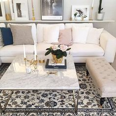 Otroligt fint som vanligt hos min absoluta favorit @lifestylebyl ⭐️ Alla ni som… Rugs In Living Room, Living Room Decor, Interior Design Living Room, Living Room Designs, Corner House, My Room, Decoration, Home Decor, Uppsala