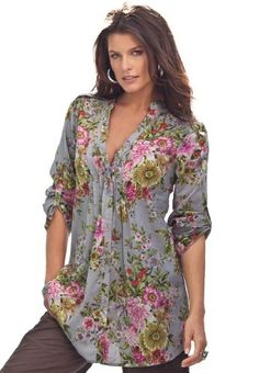 Casual Clothes For Women Wish it was in regular sizes too. Women's Plus Size English Floral Bigshirt (Gre… Plus Size Shirts, Plus Size Tops, Plus Size Women, Plus Size Summer Tops, Boho Plus Size, Fashion Over 50, Girl Fashion, Fashion Outfits, Womens Fashion