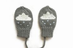 Grey baby mittens with cloud design. Grey knitted baby mittens. British Wool | Sizes Newborn to 12 months